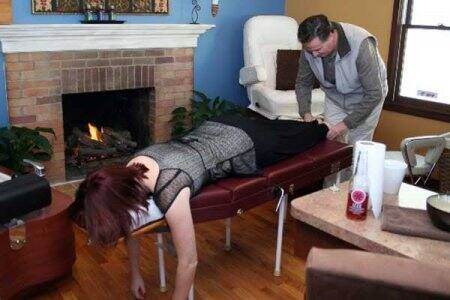 chiropractor working on patient