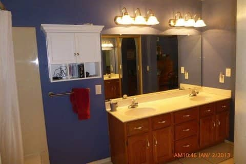 Member Sally Powers painted this bathroom in order to help her home sell faster. (Photo by Sally Powers)