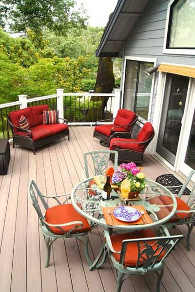 There are many deck accessories all designed to complement and enhance the beauty and safety of the deck, says Leavens. (Photo courtesy of Deckmaster Fine Decks)