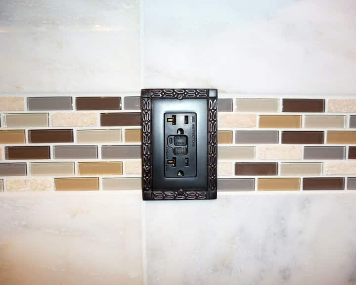 ceramic tile on kitchen backsplash