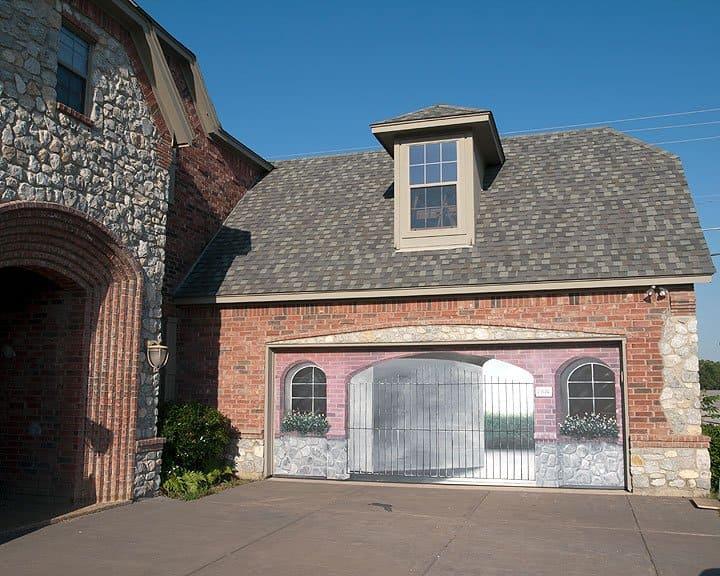 garage door with painted murap