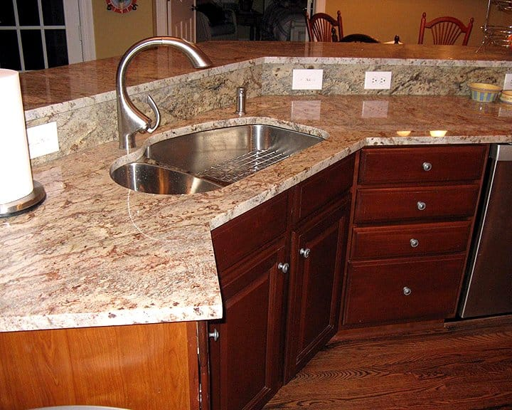 Granite Countertops For Less : bi-level kitchen island with granite countertops