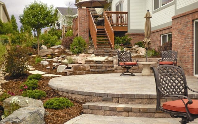 Landscape to fix erosion issues