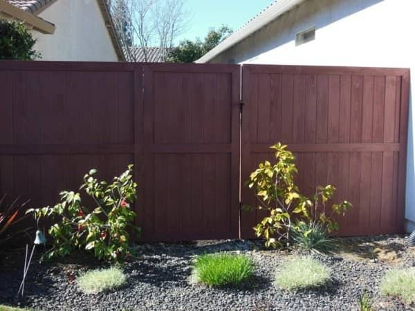 The project replaced 22 linear feet of fencing. (Photo courtesy of Angie's List member David Johnson of Roseville, Calif.)