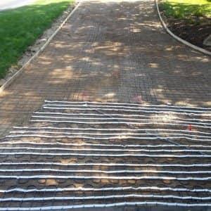 Pros and Cons: Asphalt vs  Concrete Driveway | Angie's List