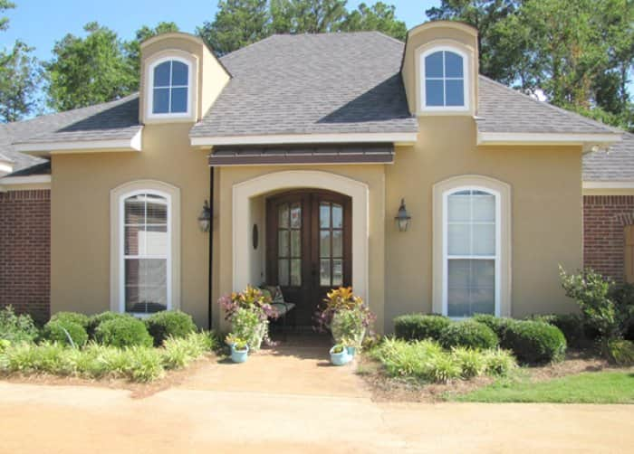 Good curb appeal can help draw in potential buyers. (Photo courtesy of Angie's List member Marvin B.)