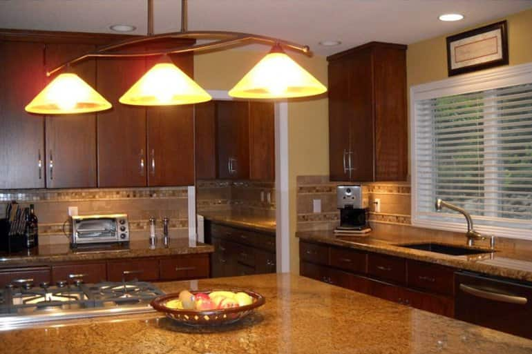 Hanging Lighting In Homes Kitchen