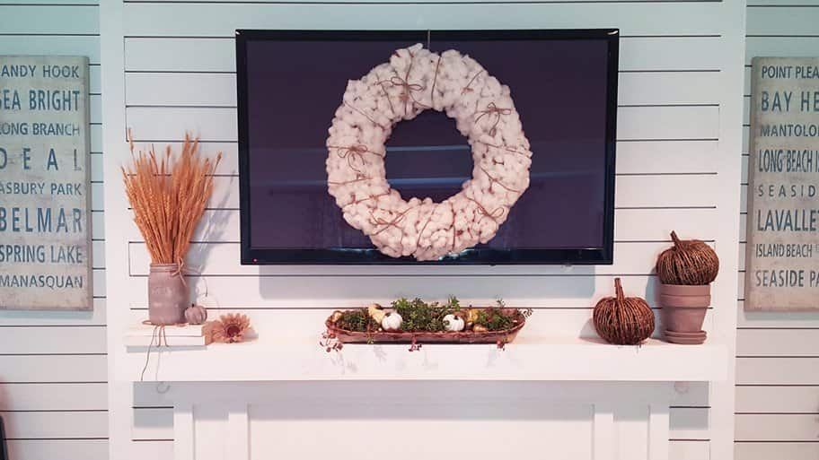 DIY fall decorations on fireplace mantel