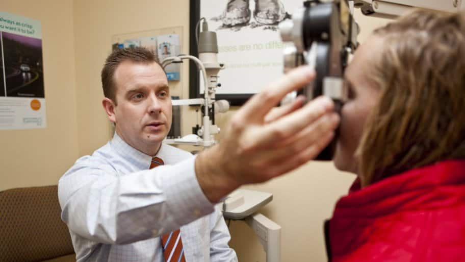 3f7db4291db Ophthalmology. Eye exam. Know the difference between optometry ...