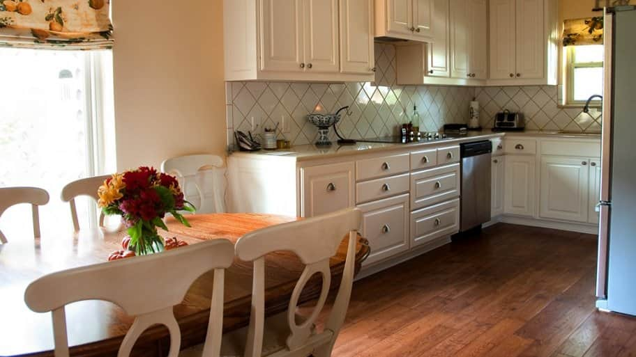 5 Tips to Brighten a Dark Kitchen