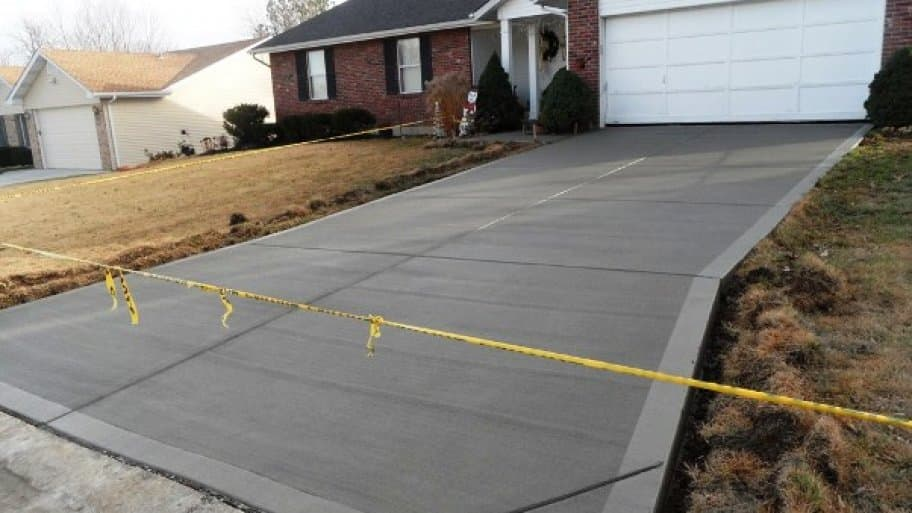 A well-installed concrete driveway provides a solid look and easy maintenance. (Photo courtesy of Angie's List member Billie P. of St. Charles, Missouri)