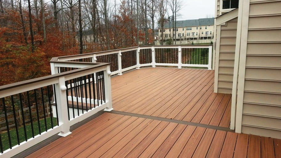 Charmant Deck Maintenance And Cleaning