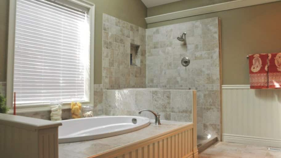 Member Kendra Fritz hired Striking Renovations to get rid of the magenta and gray color scheme for relaxing earth tones in her Lake St. Louis, Mo., bathroom. (Photo courtesy of John Yacovelli)