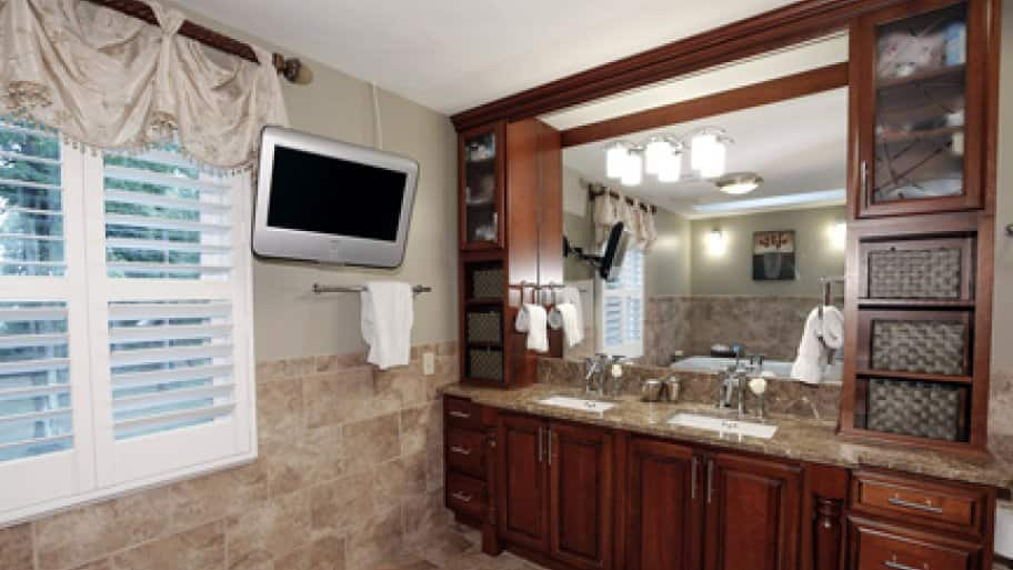 built-in bathroom cabinetry