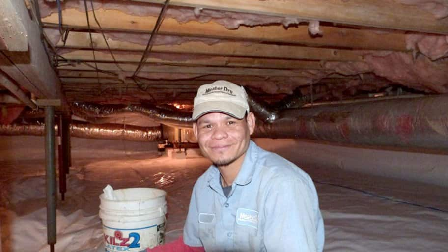 contractor in crawl space