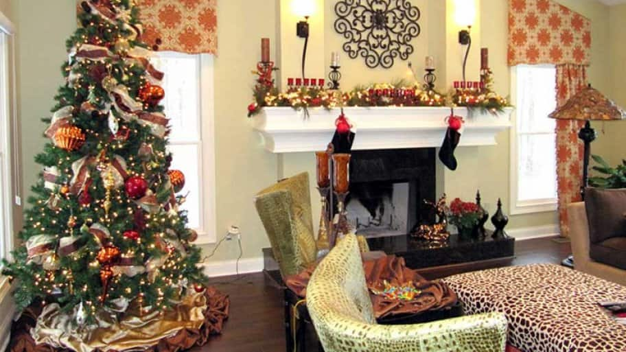 holiday decorating - Christmas Decorations For Businesses