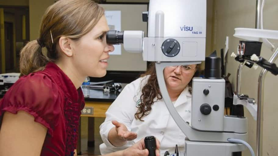 Optometrists Ophthalmologists Fight Over Eye Care Rights