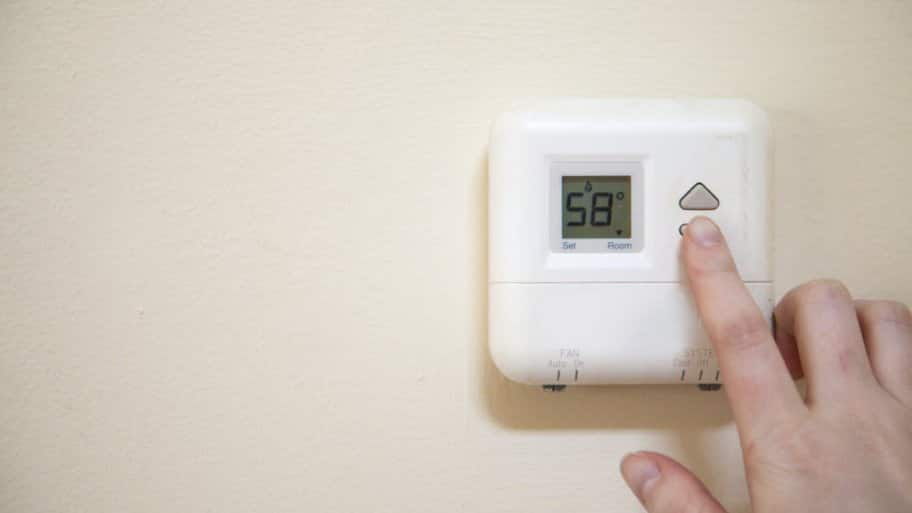 Thermostat and hand